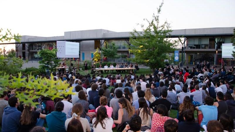 Seminario Frente Sur: Encuentro con los arquitectos chilenos de la XV Bienal de Venecia