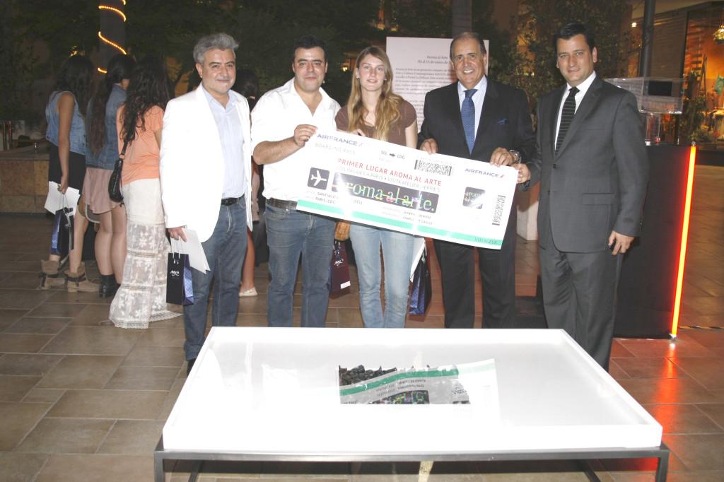 Ganadores de Aroma Al Arte, Concurso ARTCCO UDD, con Moure y Duclos