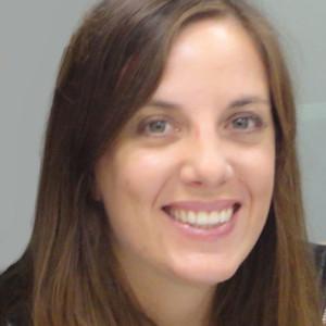 Daniela Gloger | DIRECTORA DEL MAGÍSTER EN ARTE TERAPIA UDD-ESPACIOCREA